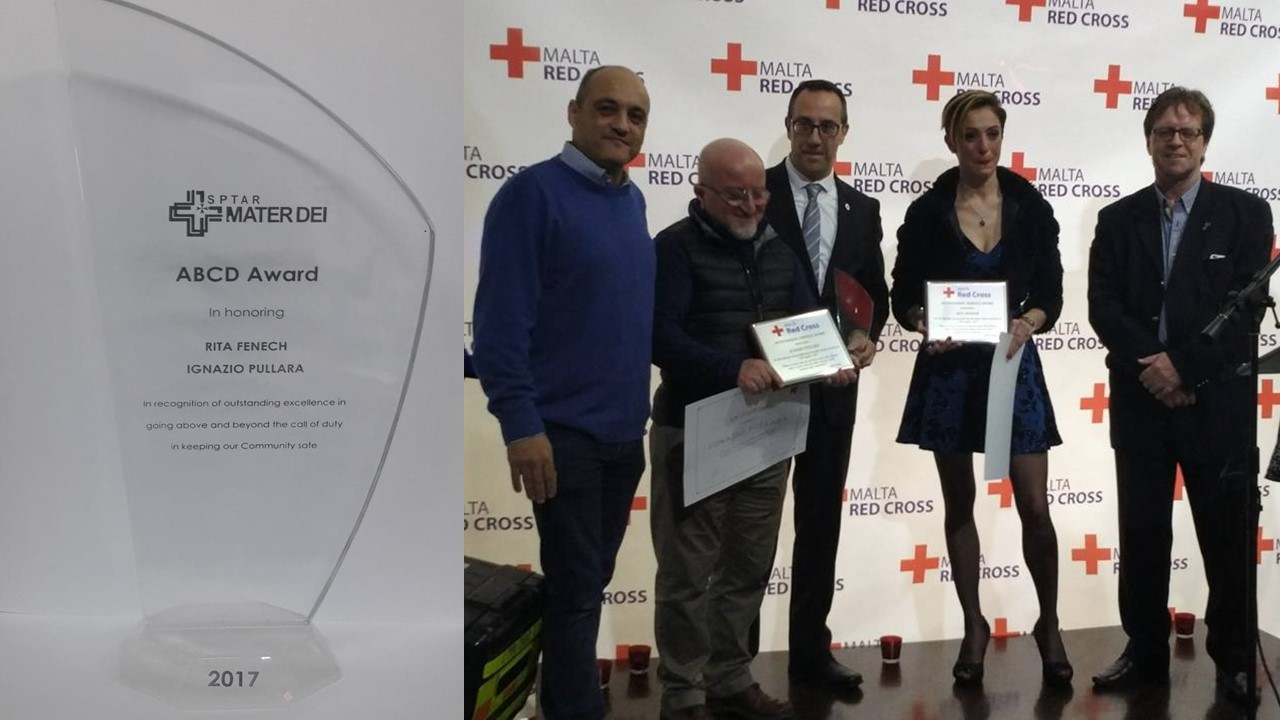 Volunteers receive awards for their  altruism